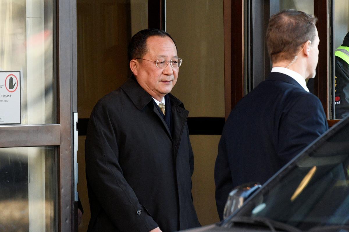 Министр иностранных дел Северной Кореи Ри Ен Хо в Швеции 15 марта / REUTERS