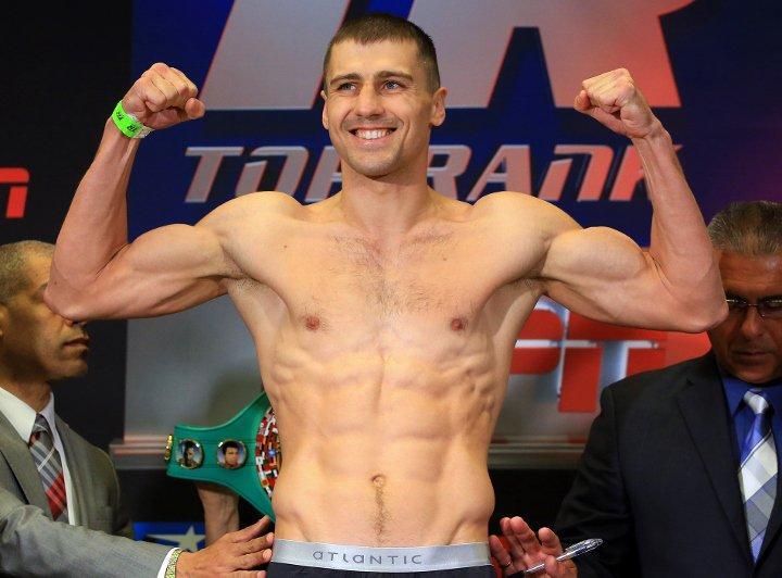 Александр Гвоздик отпраздновал день рождения с огнеметом в руках/ фото: boxingscene.com