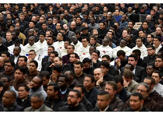 Папа зустрівся з семінаристами і священиками з римських колегій / ru.radiovaticana.va