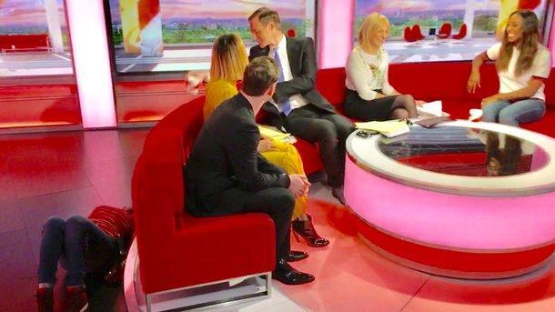 Співробітниця BBC розсмішила глядачів ранкової передачі / фото @mrdanwalker