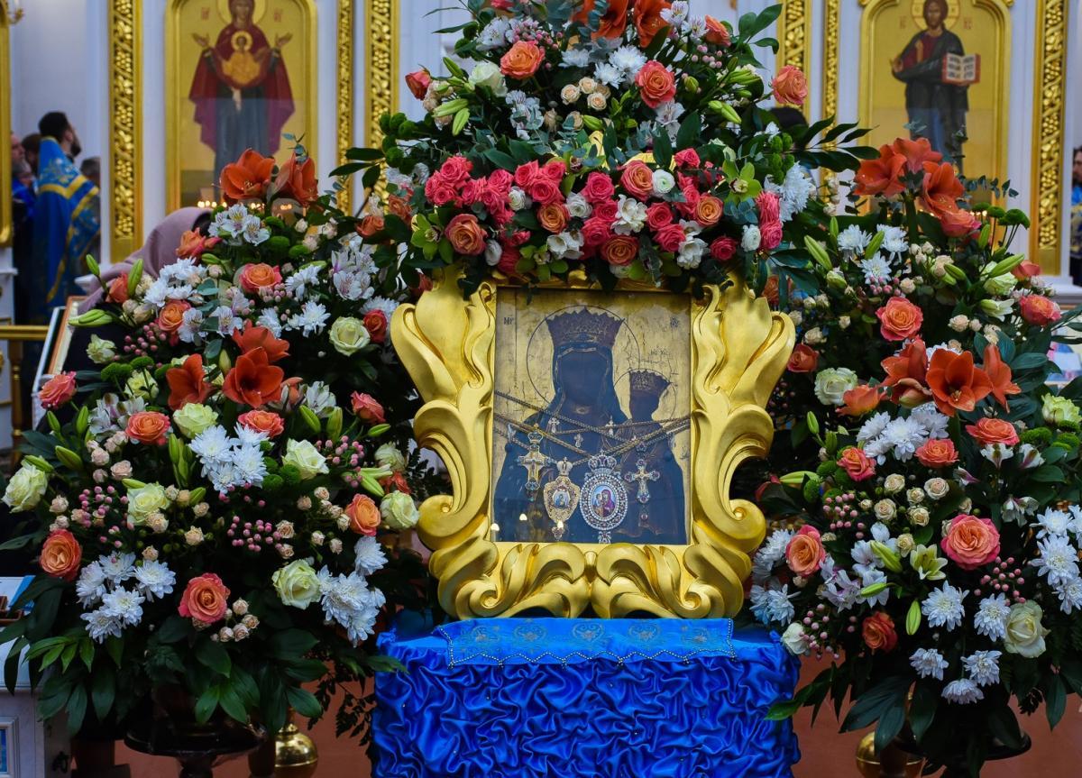 У Браїлові вшанували чудотворну ікону Богородиці / 33kanal.com