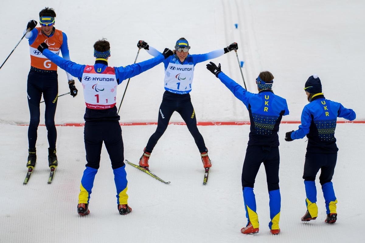 Сборная Украины завоевала 7 золотых медалей на Пааралимпиаде-2018, в том числе в лыжной смешанной эстафете / REUTERS