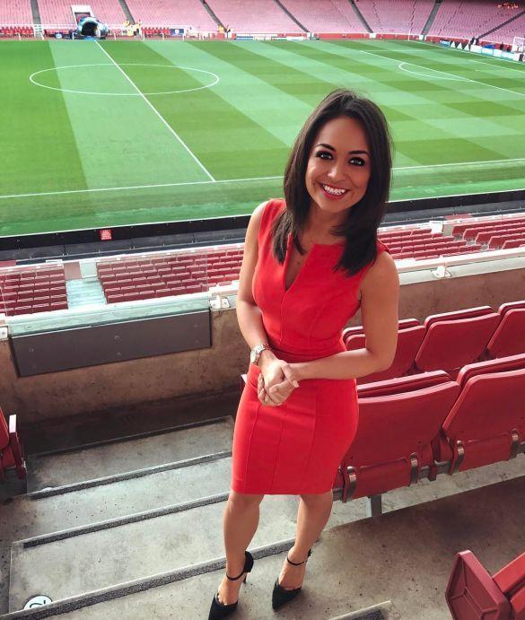 Британська журналістка роздягнеться заради успіху єгипетського бомбардиру / Instagram