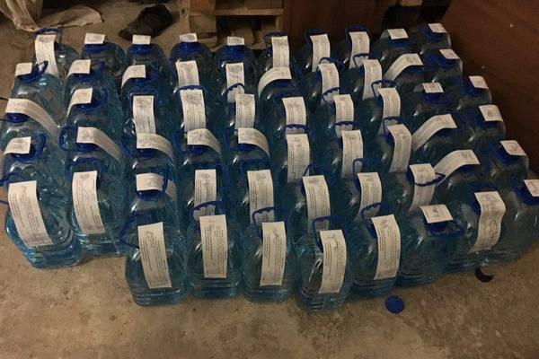 В Одеській області правоохоронці ліквідували підпільний алкогольний цех, вилучивши 3 тонни продукції / khar.gp.gov.ua