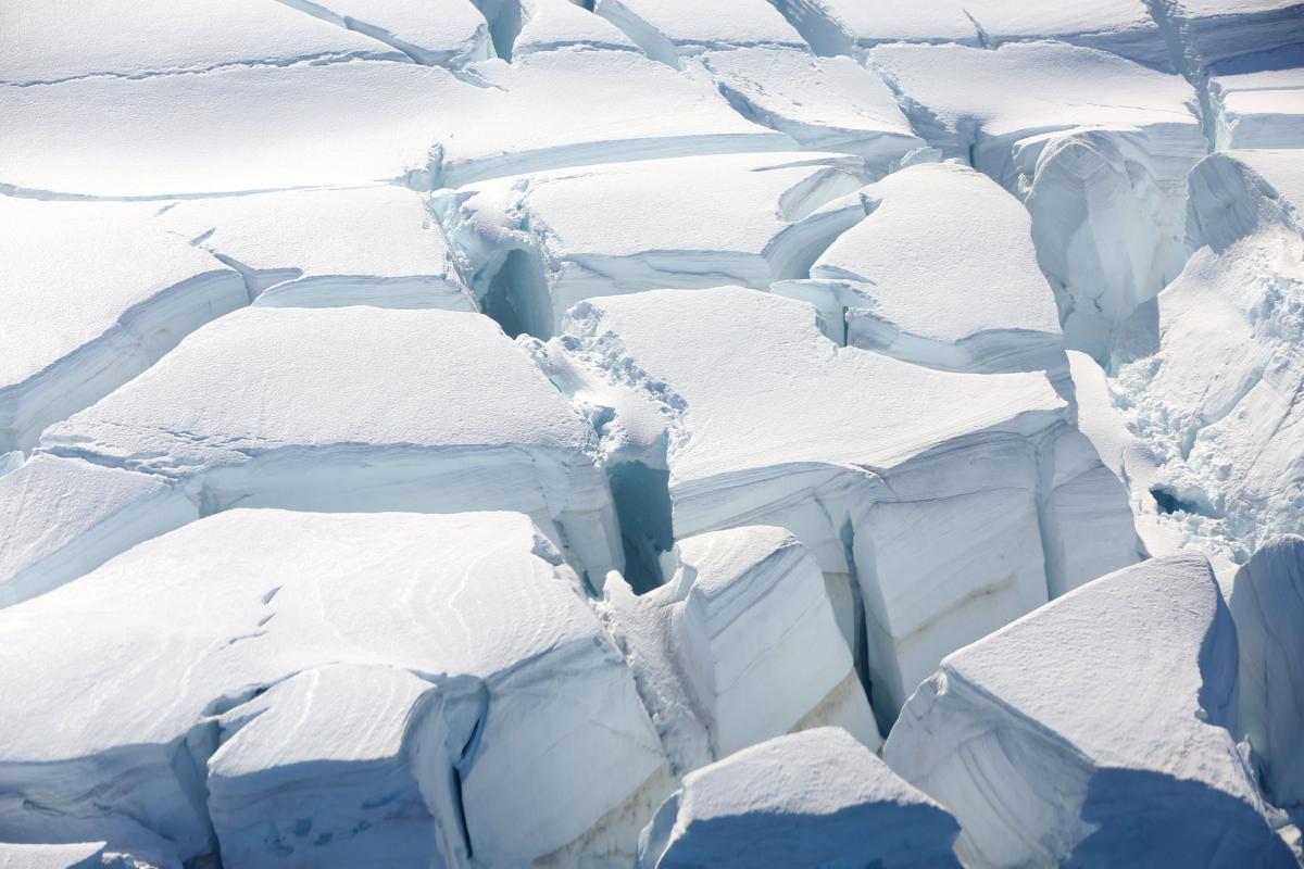 Таяние ледников влияет на уровень мирового океана / REUTERS