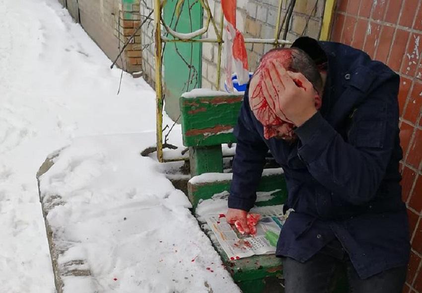 Напад було скоєно прямо біля пункту поліції / Фото facebook.com/bykov.inpolit
