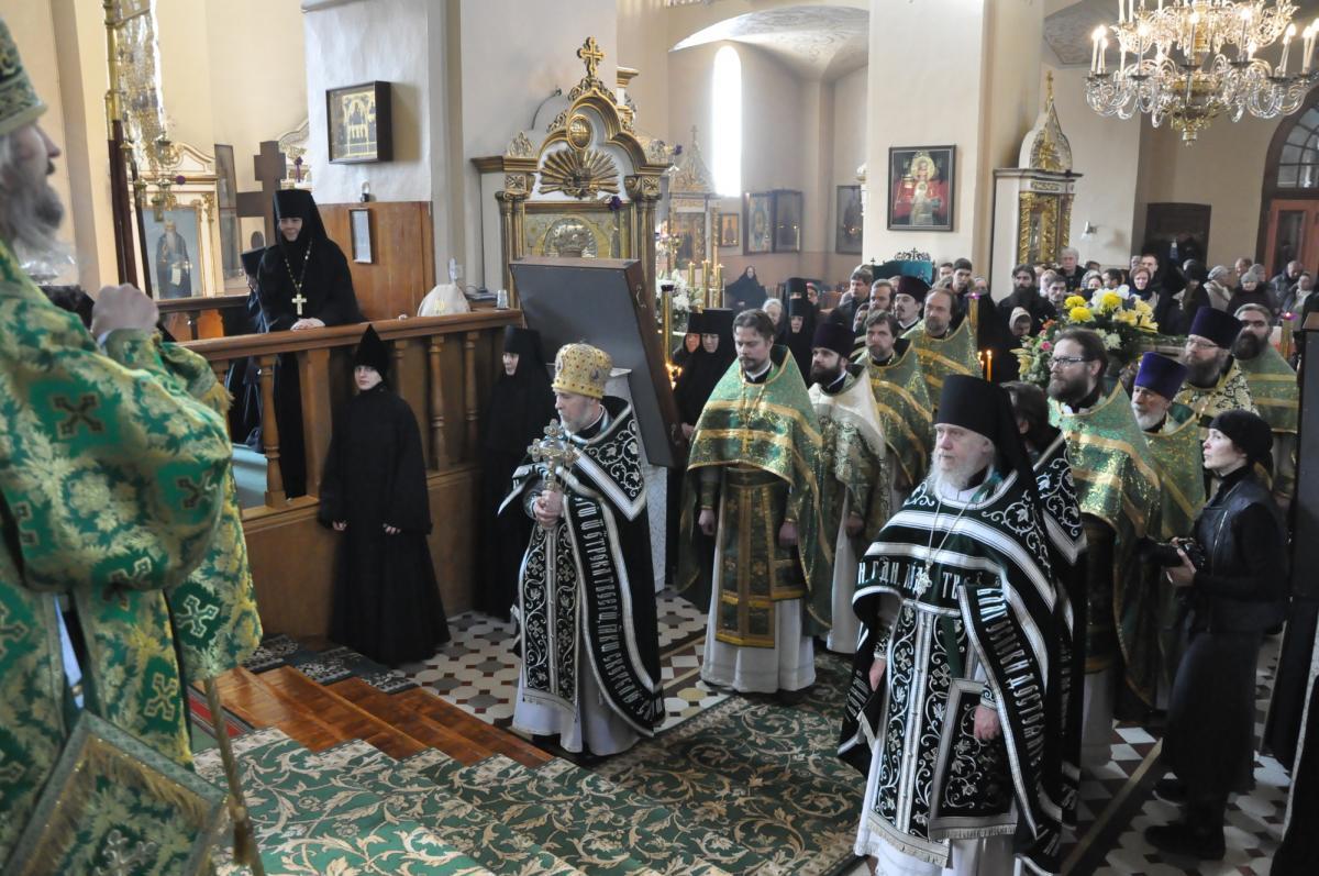 в Пюхтицком Успенском ставропигиальном женском монастыре состоялось прославление блаженной старицы / orthodox.ee