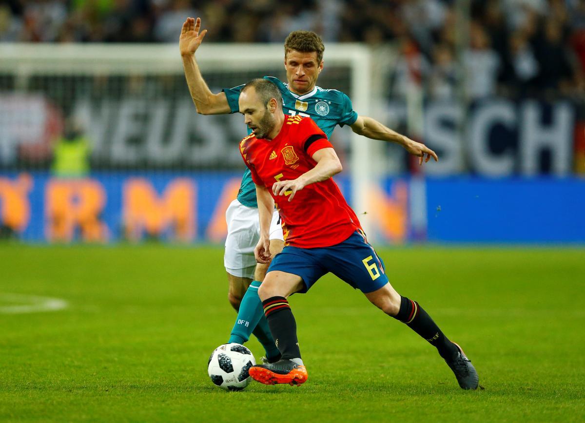 Германия и Испания сыграли вничью / Reuters