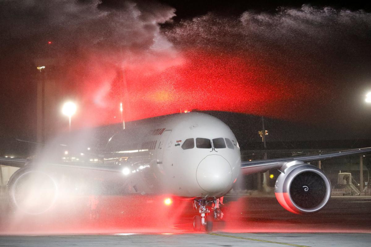 Саудовская Аравия впервый раз вистории пропустила самолет вИзраиль