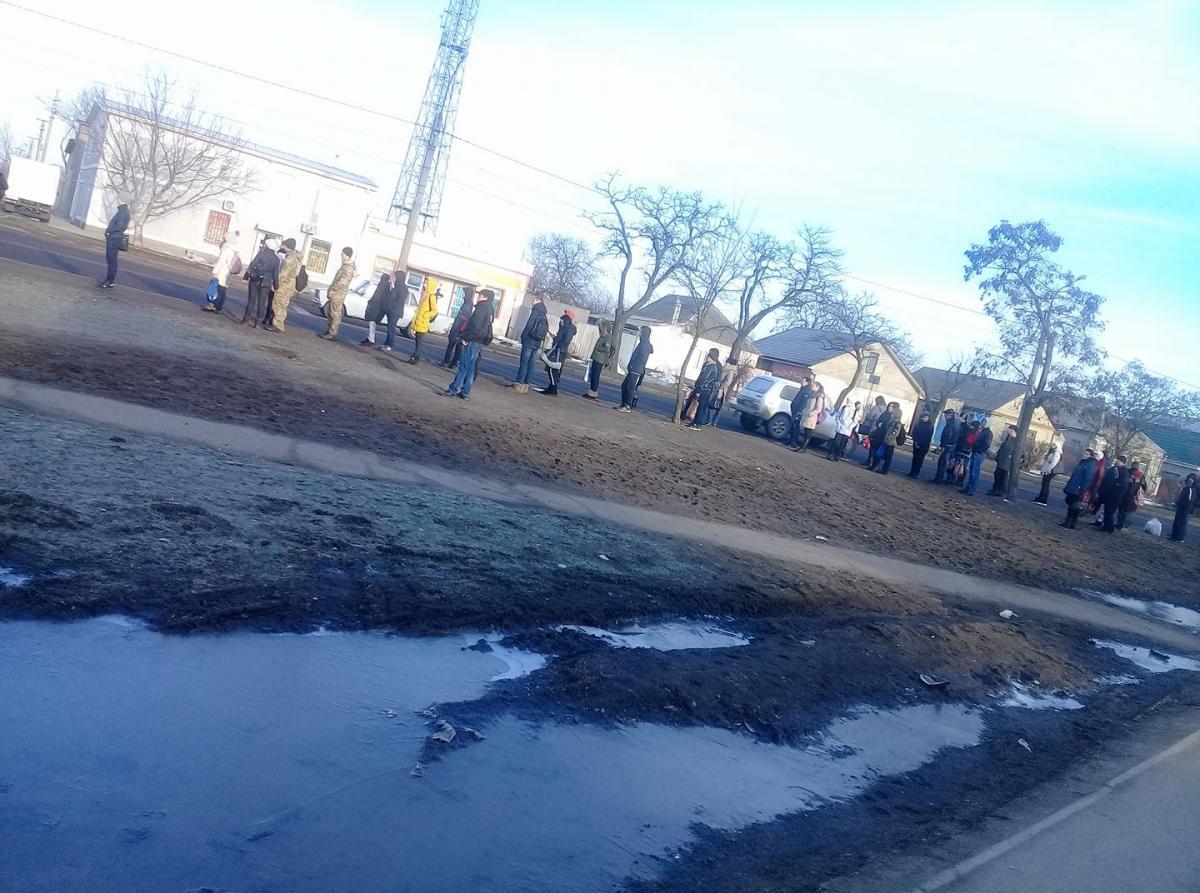 Николаевцы с утра не нашли автобусов на маршрутных остановках / Facebook, Алла Тарнавская
