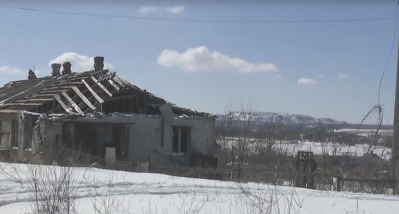 По словам военных, каждый в поселке – подвижная мишень / скриншот видео ТСН