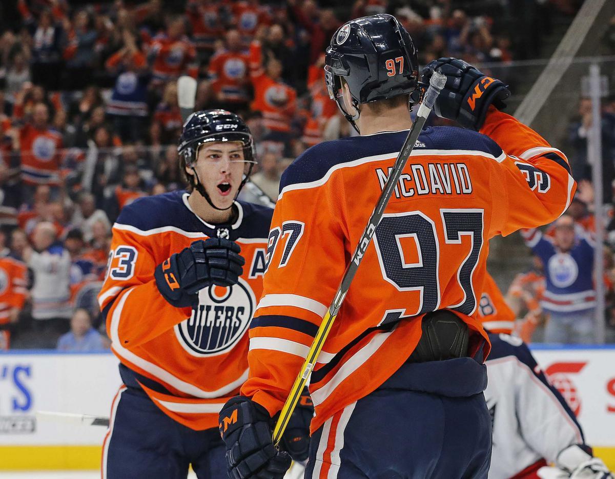 Макдэвид добрался до отметки в 100 голов во втором подряд сезоне в НХЛ / Reuters