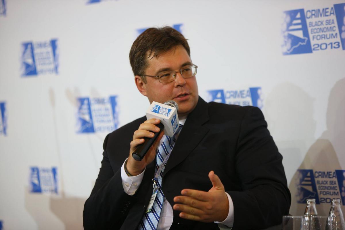 Харченко: Наше правительство последние полтора года занимается симуляцией процесса создания консорциума по управлению ГТС в пользу, по сути, олигарха - господина Фирташа / Фото facebook.com/oleksandr.kharchenko