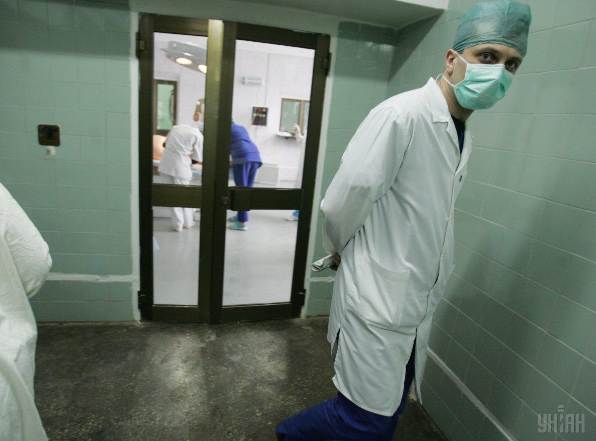 Больной дифтерией мальчик - в стационаре / фото УНИАН