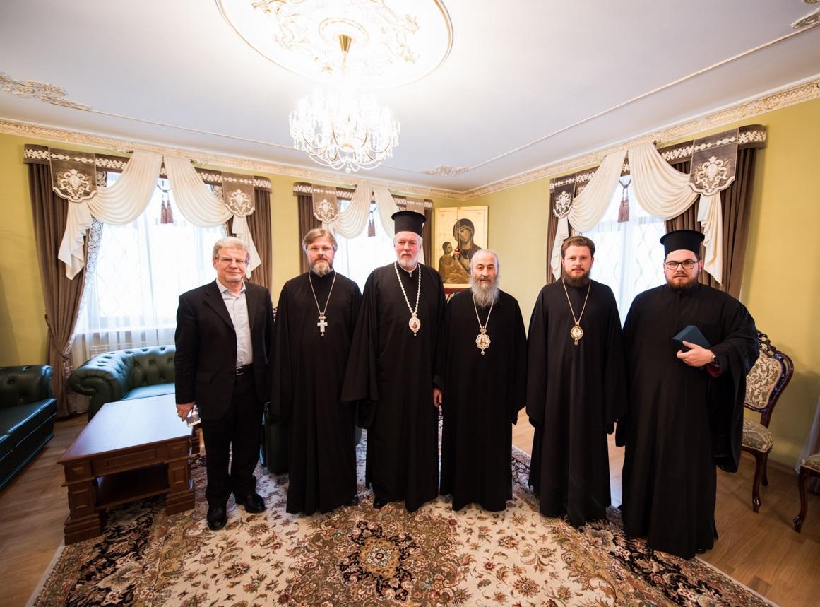 Митрополит Онуфрий встретился с иерархом Константинопольского Патриархата / news.church.ua