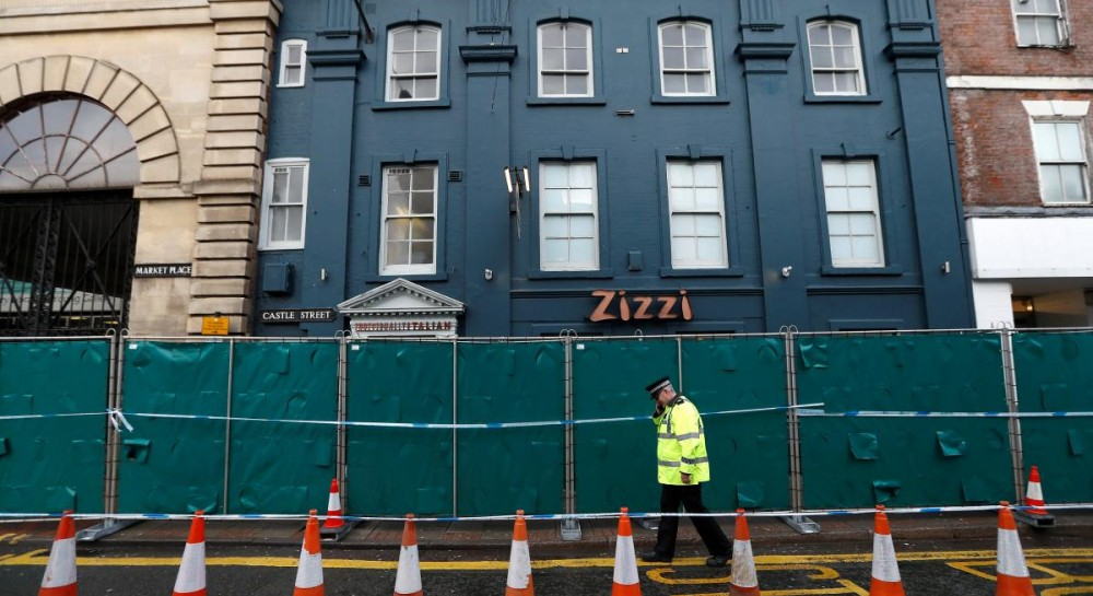 Поліція Великобританії заявила про інцидент з чоловіком в центрі міста  Солсбері 12d469f6518c2
