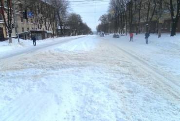 В Днепре за сутки потратили 5 миллионов гривень на ликвидацию последствий снегопада