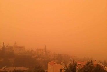 Остров Крит накрыла песчаная буря