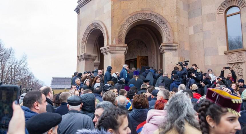 В Днепре открыли самую большую армянскую церковь в Восточной Европе (фото)
