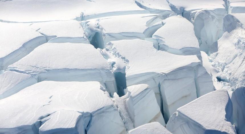 В Антарктиде из-за влияния подземной радиации растаял гигантский массив льда