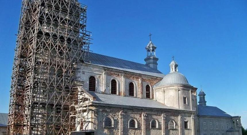 Депутати Львівської облради закликали Мінкульт передати Підкамінський монастир УГКЦ