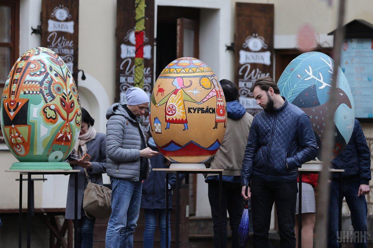 НаПасху Софийскую площадь украсит светодиодная писанка-беседка