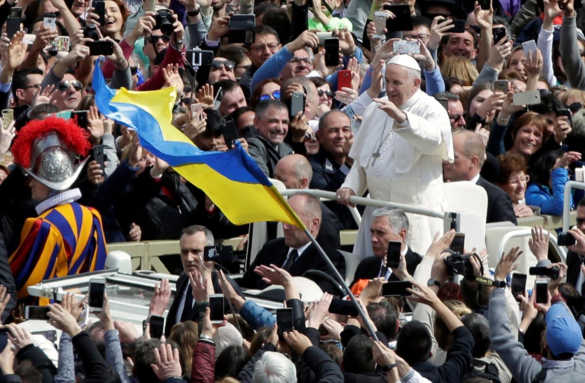 Папа Римський у Вербну неділю попросив миру для України