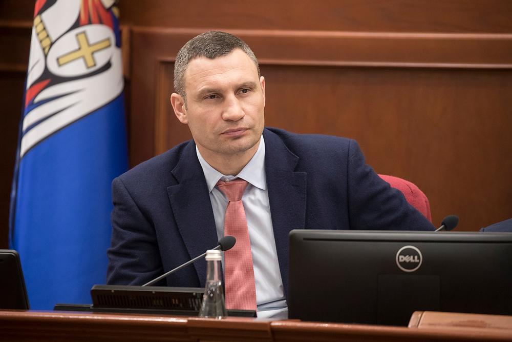 В Киеве продолжается замена старых въездных знаков в город на новые, заявил Кличко / kiev.klichko.org