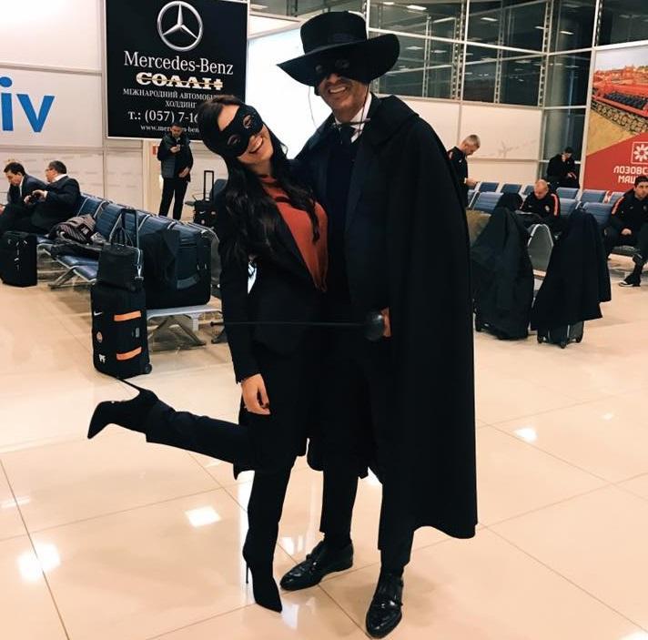 Катерина подписала совместное с Фонсекой фото: «Мистер и мисс Зорро» / фото facebook.com/k.ostroushko
