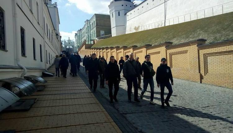 Націоналісти прийшли в Києво-Печерську лавру / facebook.com
