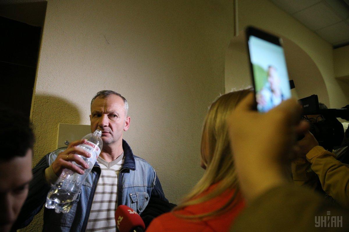 Вчера Бубенчика и его защитников вызвали в главное следственное управление для вручения новой подозрения/ фото УНИАН