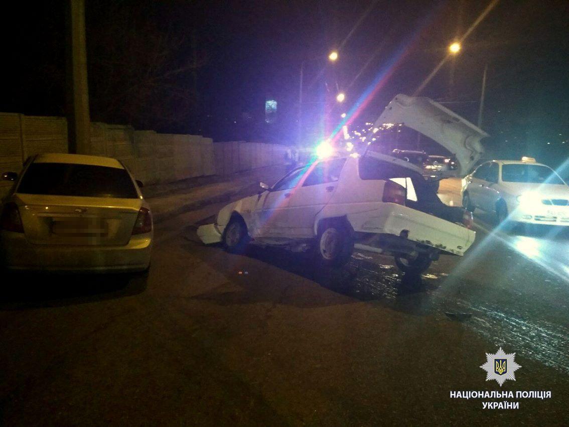 Двое погибших, трое пострадавших— ДТП сучастием «скорой» наАлексеевке