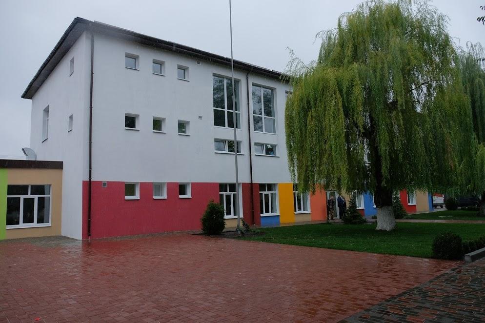 Петриковская опорная школа после ремонта