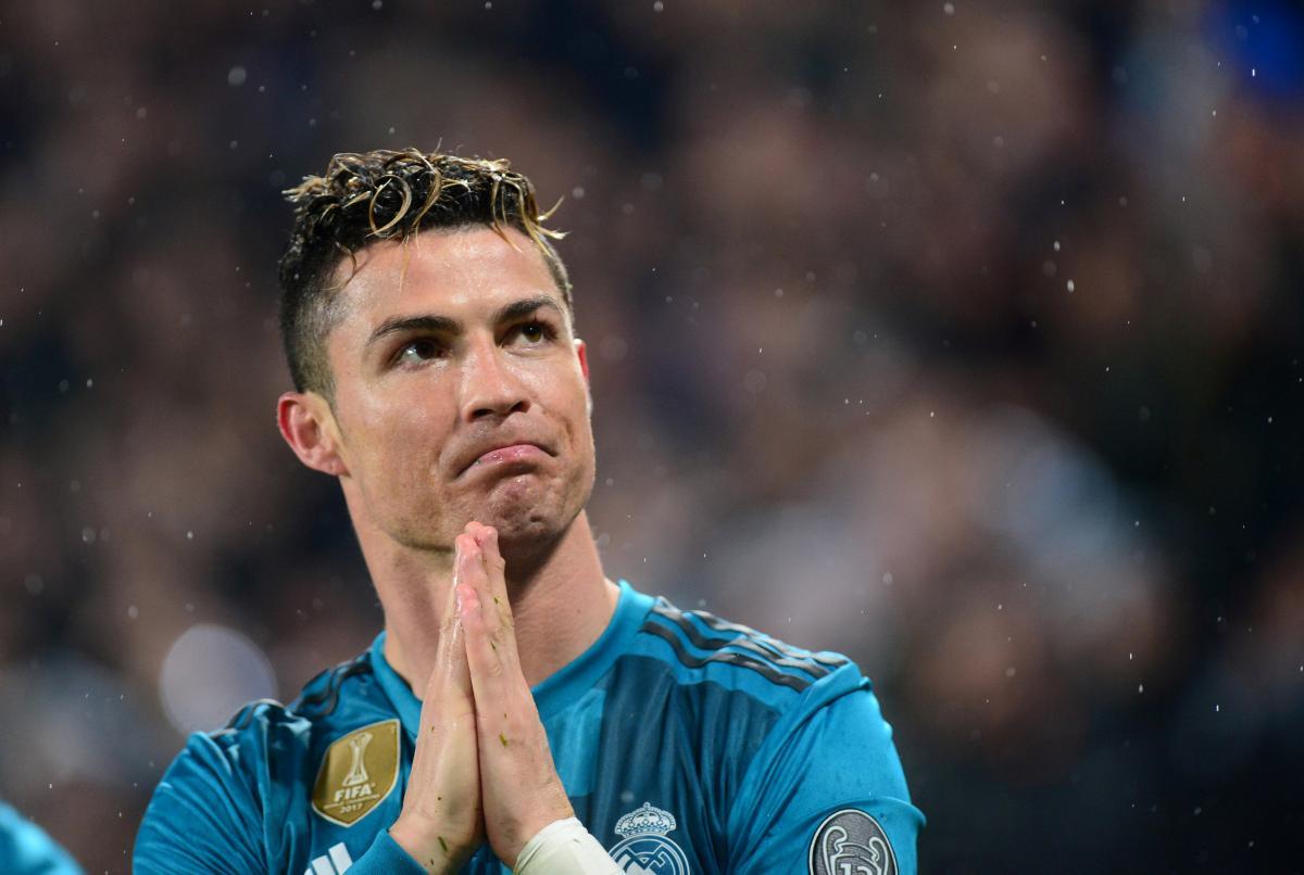 Кріштіану Роналду випадково потрапив м'ячем у оператора іспанського телеканалу / REUTERS