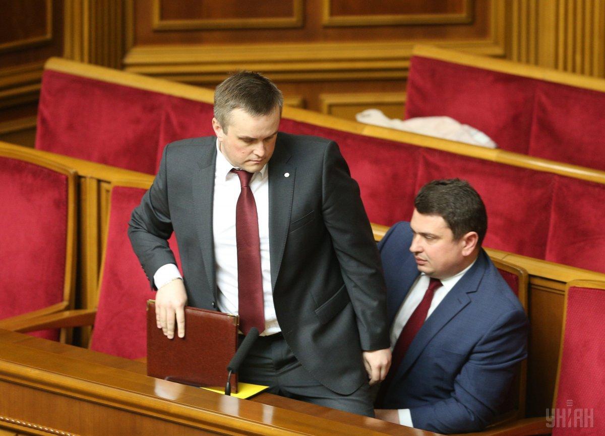 Руководитель САП Назар Холодницкий (слева) и директор НАБУ Артем Сытник (справа) / фото УНИАН