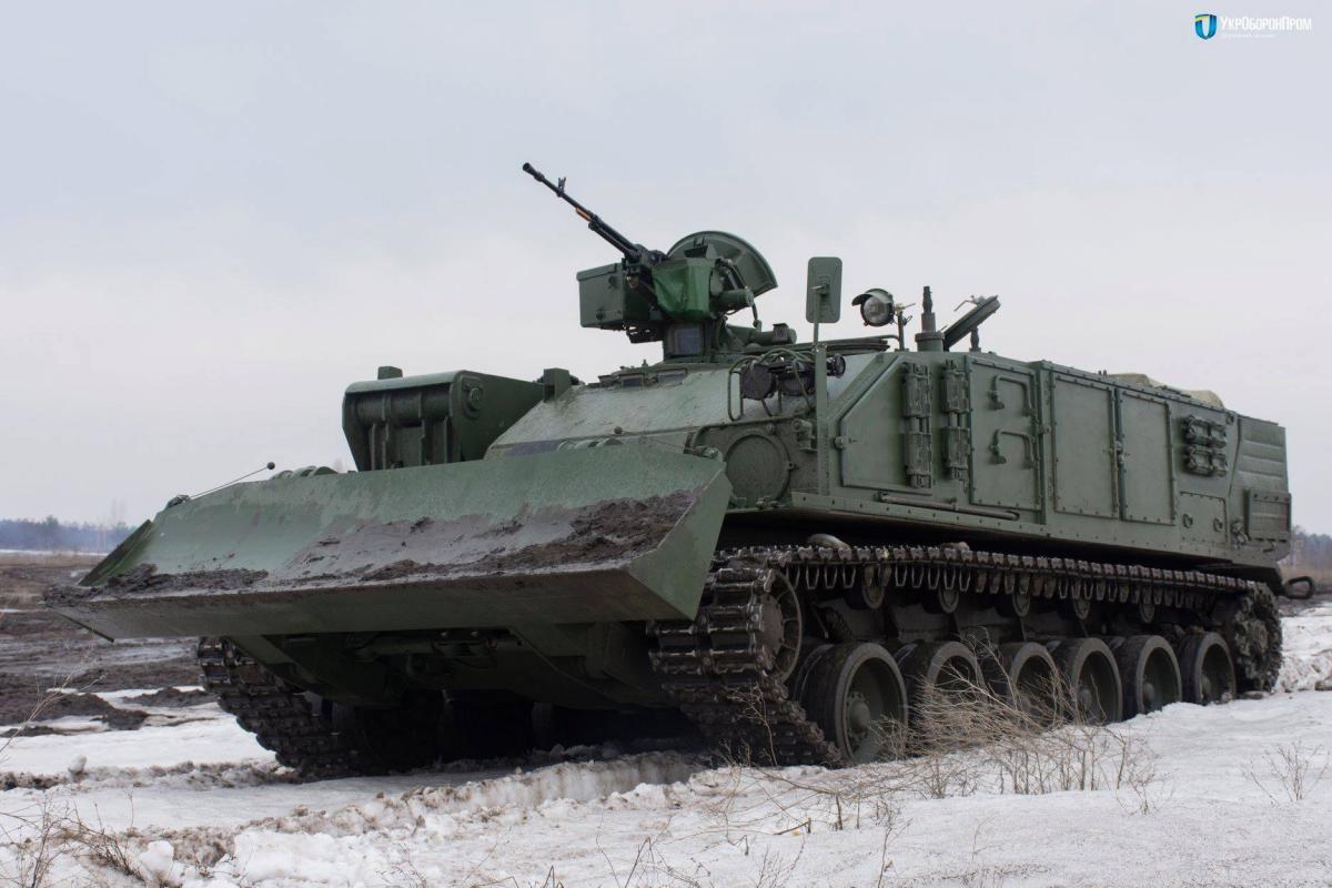 «Укроборонпром» начал выпуск военных машин «Атлет»