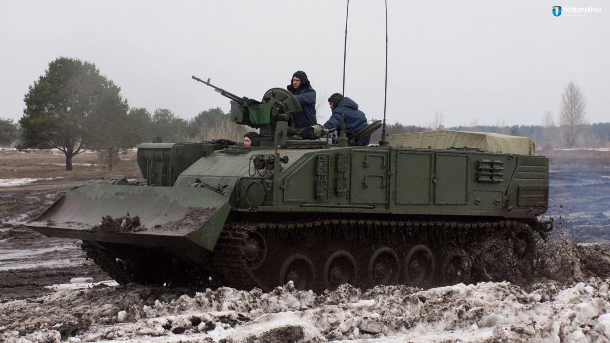 Украина начала серийное производство военных машин «Атлет»