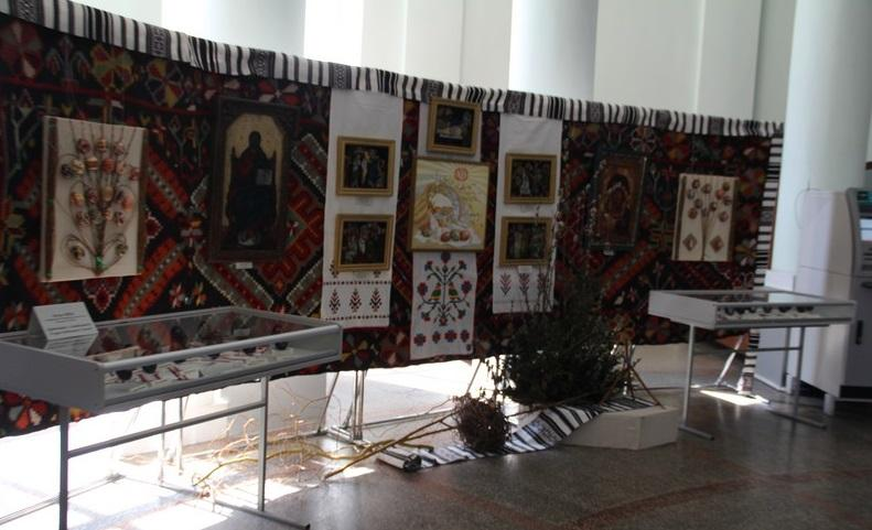 В Винницкой ОГА развернута экспозиция к Пасхе / vin.gov.ua