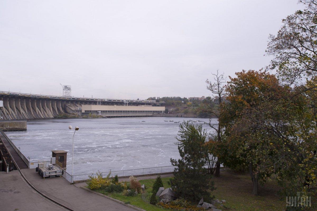 На плотине установят два стационарных поста патрульной полиции / фото УНИАН