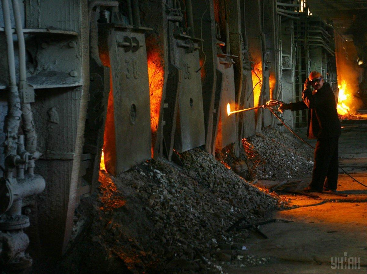 Металлурги призывают власть помочь отрасли с решением проблем с сырьем и инфраструктурой / фото УНИАН