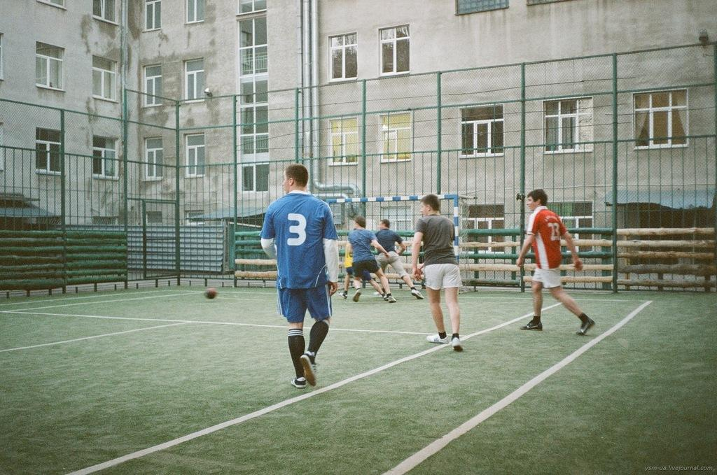 В Україні відроджується діяльність Федерації дворового футболу / ysm-ua.livejournal.com