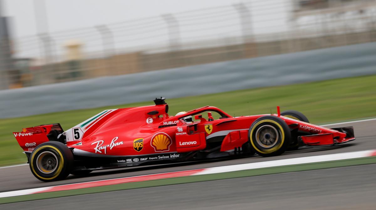 Феттель выиграл квалификацию Гран-при Бахрейна / Reuters