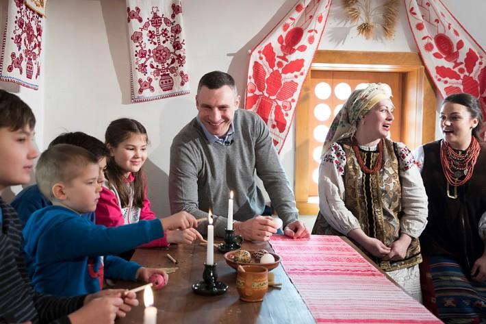 Кличко поздравил украинцев с Пасхой / фото kiev.klichko.org