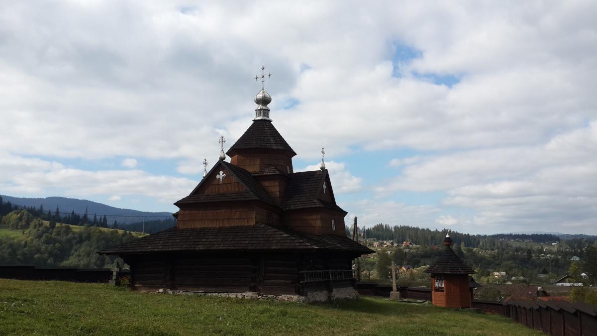 У Ворохті кілька дерев'яних церков