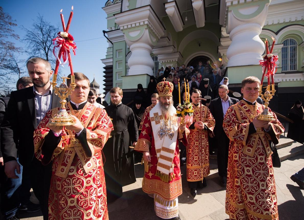 Митрополит Онуфрій звершив літургію у Покровському монастирі / news.church.ua