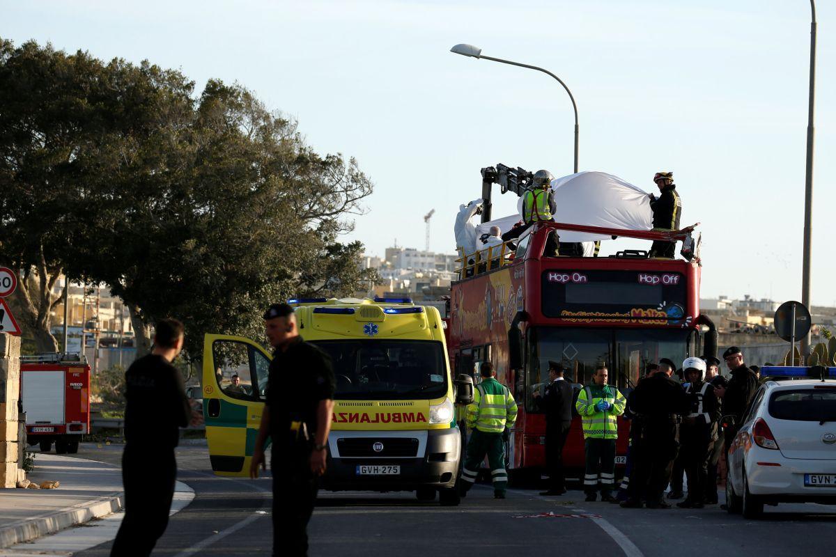Автобус попал в аварию / REUTERS