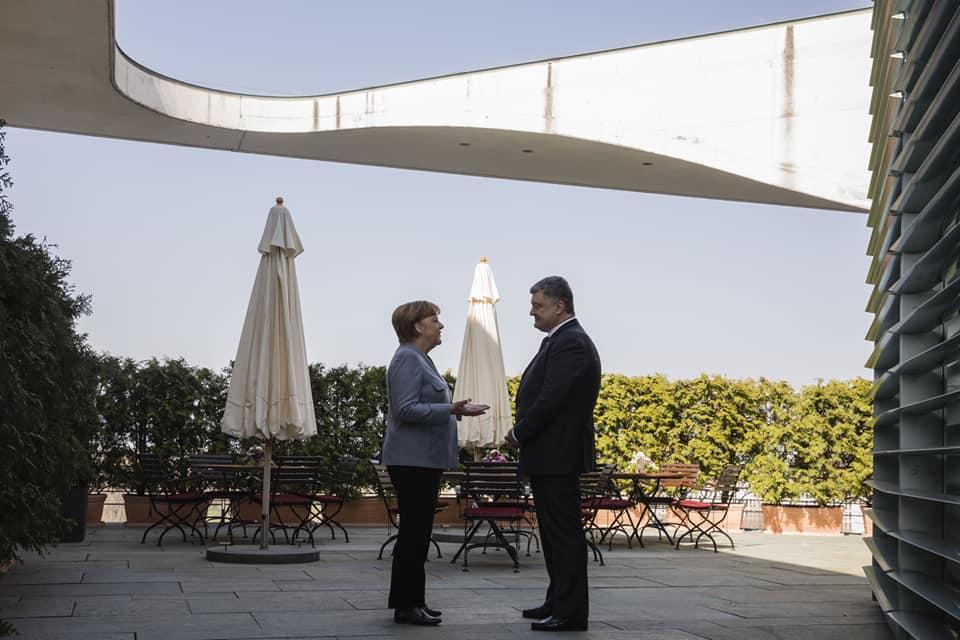 Порошенко находится с визитом в Федеративной Республике Германия / фото facebook.com/svyatoslav.tsegolko