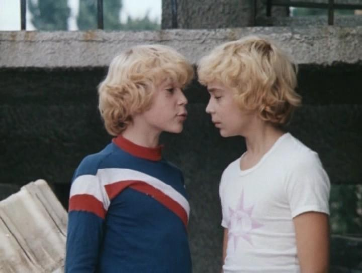 """Брати Торсуєви потрапили до бази """"Миротворця"""" / кадр з фільму """"Пригоди Електроніка"""""""