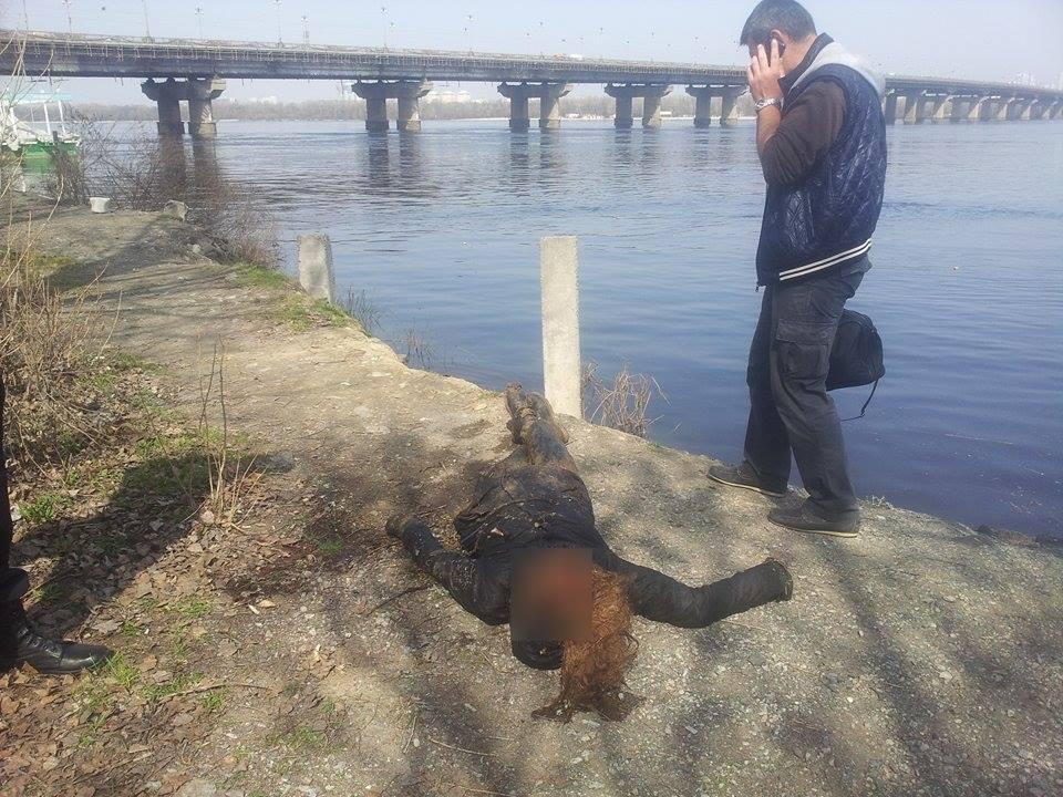 Тело женщины находилось в 4 метрах от берега / фото facebook.com/ochevidets112