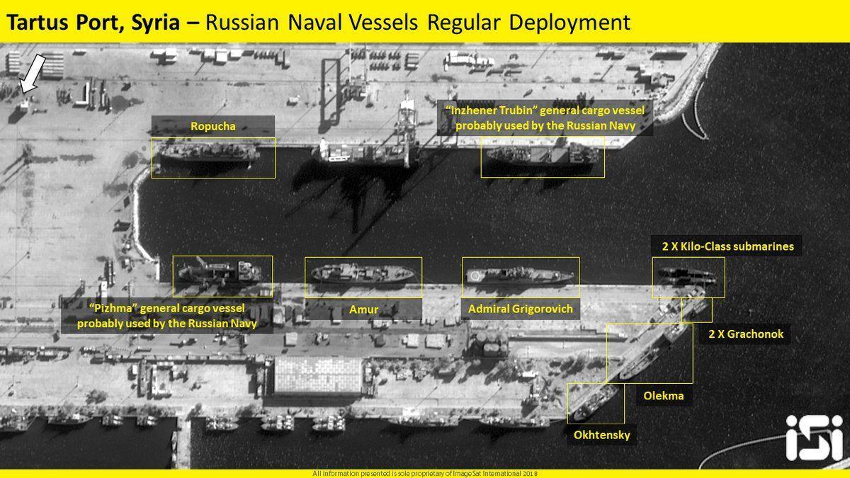 На одному з кадрів видно стоять кораблі / фото twitter.com/imagesatint